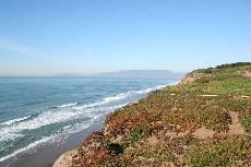 the coastline at Fort Funston ()