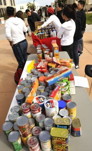 Skyline College hosts successful food drive