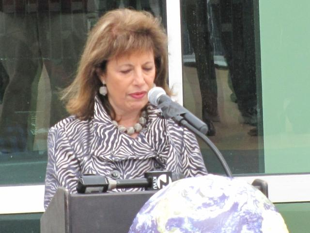 Congresswoman+Jackie+Speier%E2%80%99s+speech+lasted+a+little+longer+than+10+minutes%2C+during+which+she+expressed+the+importance+of+supporting+troops+through+green+energy.+%28Robyn+Graham%29