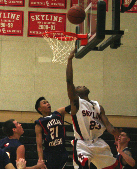 After missing the home opener against Alameda, Nate Gartrell out- hustled the Gavilan defense in route to Skyline's first win at home. (William Nacouzi)