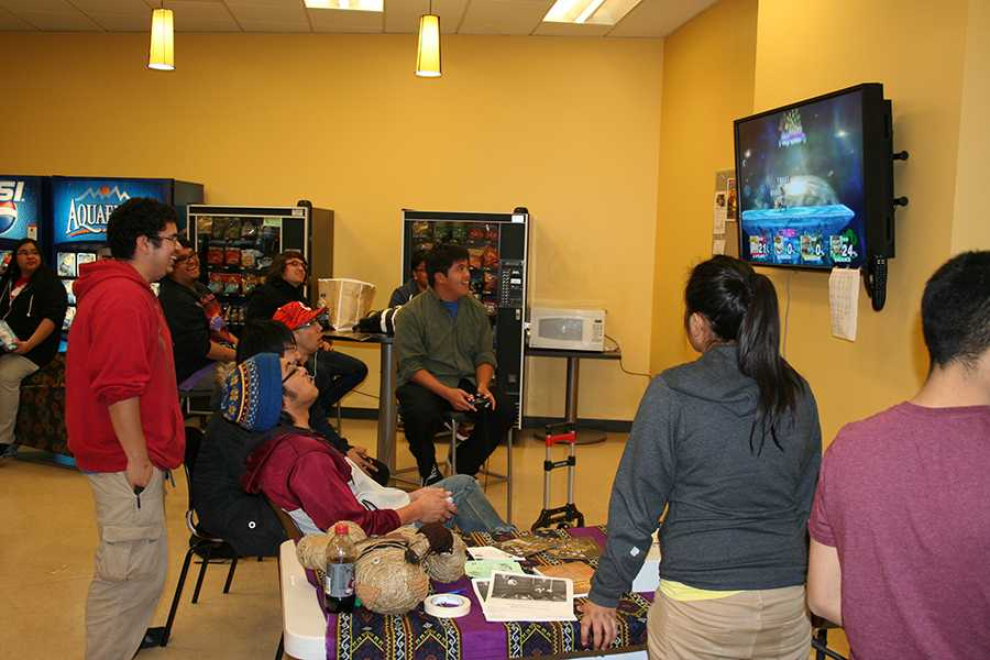 Students+enjoy+playing+Super+Smash+Bros.+with+each+other+in+the+Student+Lounge