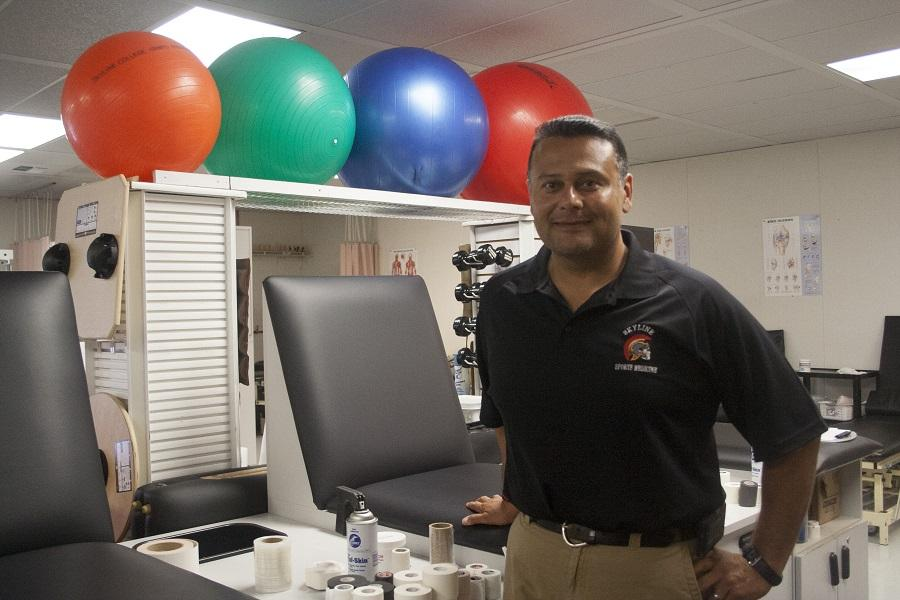 Jose+Bonilla+bring+over+25+years+of+experience+in+athletic+training+to+Skyline+College.+