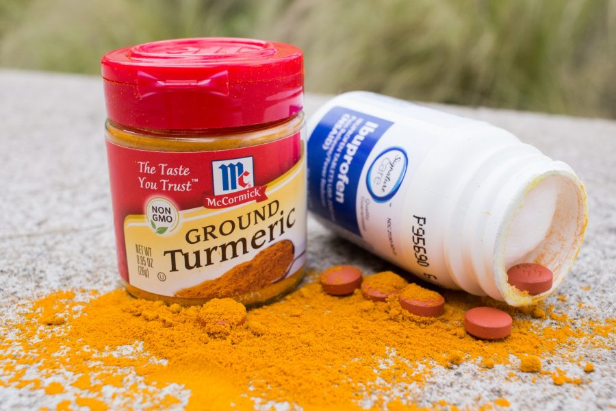 Turmeric+has+shown+signs+of+having+less+harmful+side+effects+than+over-the-counter+drugs.+