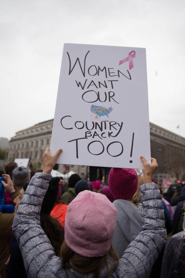 Protesters+from+San+Francisco+supporting+women%27s+rights+in+retaliation+towards+President+Trump.